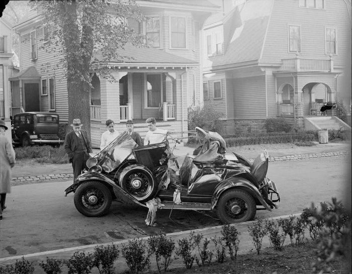 Wypadki samochodów w latach 30. 1