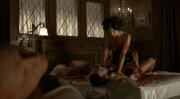 L'amour dans un bain de sang pour Lorena et Bill / True Blood Saison 2 - Episode 6 - 012