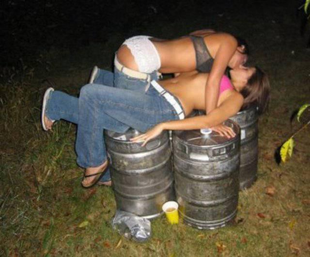 Мега подборка ПЬЯНЫЕ СМЕШНЫЕ МОМЕНТЫ ДЕВУШЕК, пьяные и смешные девушки, при