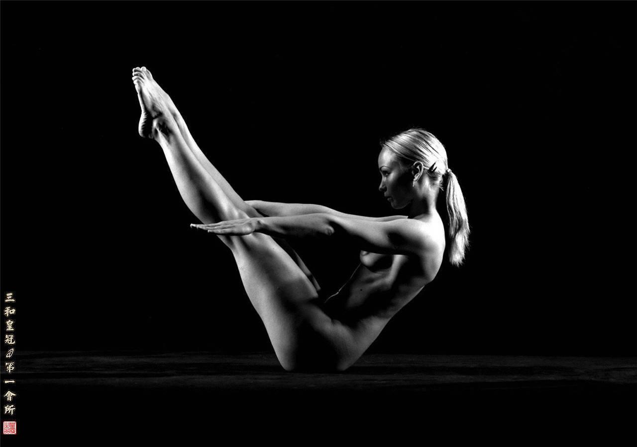 Эротическое искусство чёрно белое фото женщин 8 фотография