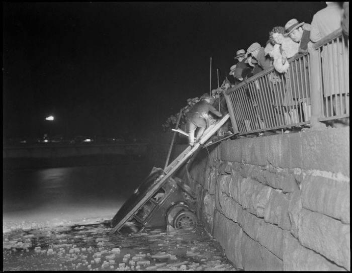 Wypadki samochodów w latach 30. 35
