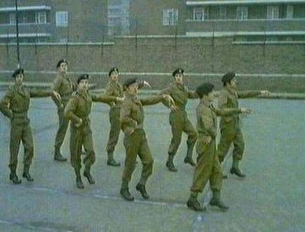 Wojsko na wesoło 64