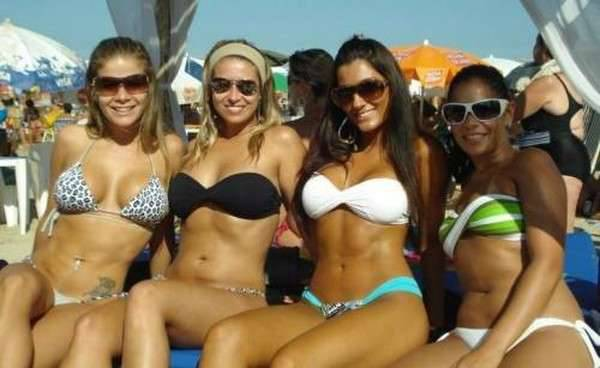 Laski w bikini 36