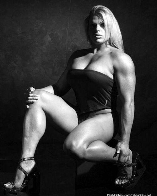 Kulturystki - kochanego mięśnia nigdy za wiele ? 34