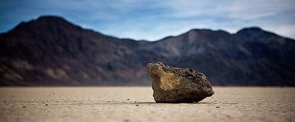 Tajemnicze ruchome kamienie 28