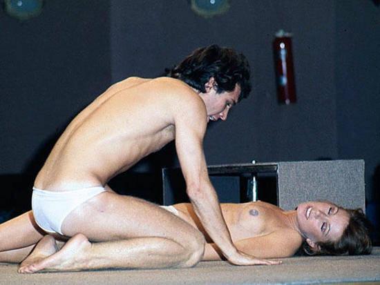 Raphael y Dean espada desnuda