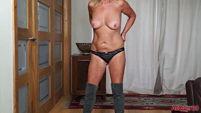 AllOver30 18 07 21 Sapphire Louise XXX