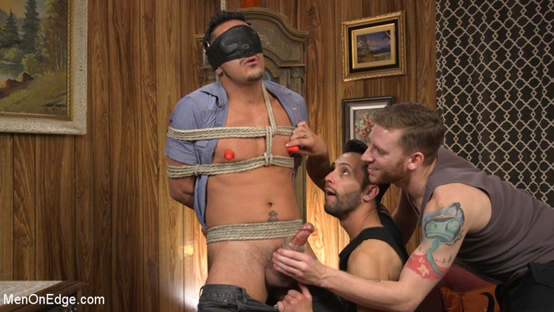 Cesar Xes Gets His Huge Cock Sucked And Edged (Men On Edge)