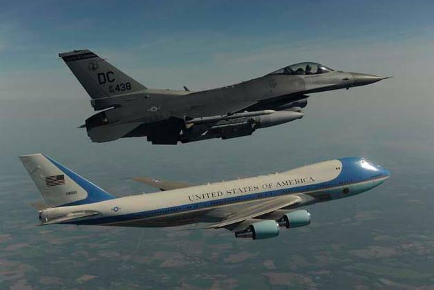 6928022003c99e3148ee29c781a1fc5e1f7811e PESAWAT PRESIDEN AMERIKA ( Air Force One )