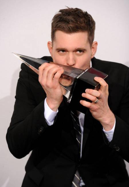 7044782f44cfffa1ddec5c155be01362f2c049d Foto Eksklusif Juara American Music Awards 2010